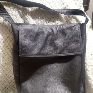Foks Form Leather Tote